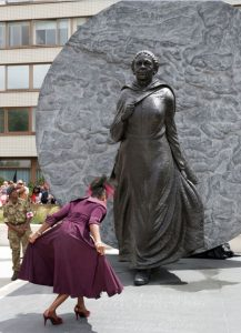 Statue in Glory